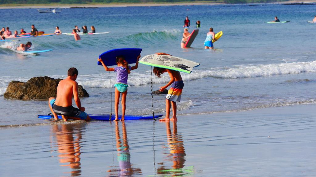 früh übt sich wer ein großer Surfer werden will
