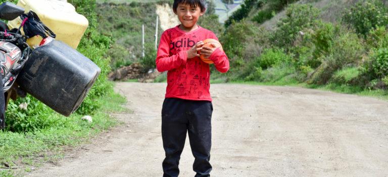 Vom Tor Amazoniens, leuchtenden Kinderaugen und einem Flug über den Abgrund