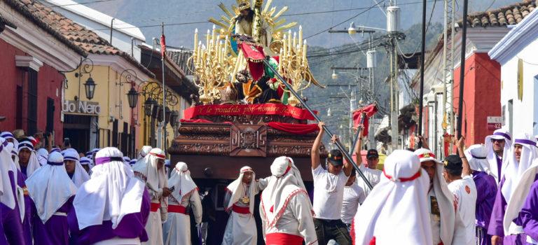 Osterprozession in Antigua – Guatemala