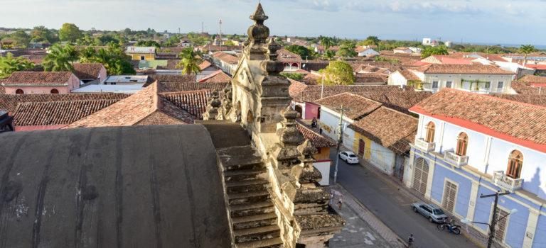 Nicaragua – chaotischer Grenzübertritt und die Kolonialstadt Granada