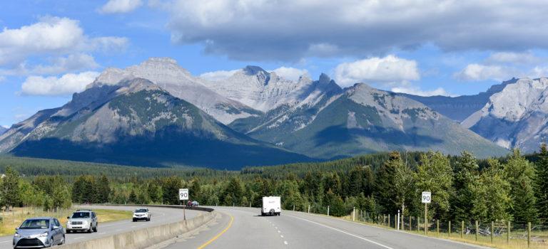 Wir ergreifen die Flucht von Lake Luise über Banff nach Calgary