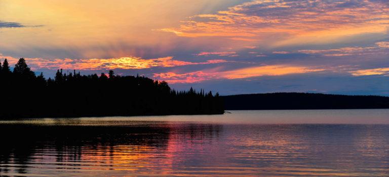 Grenzüberschreitung von Manitoba nach Ontario – und der Mittelpunkt Canadas