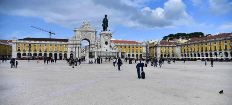 Überraschender erster Eindruck von Lissabon – bunt und viele Treppen